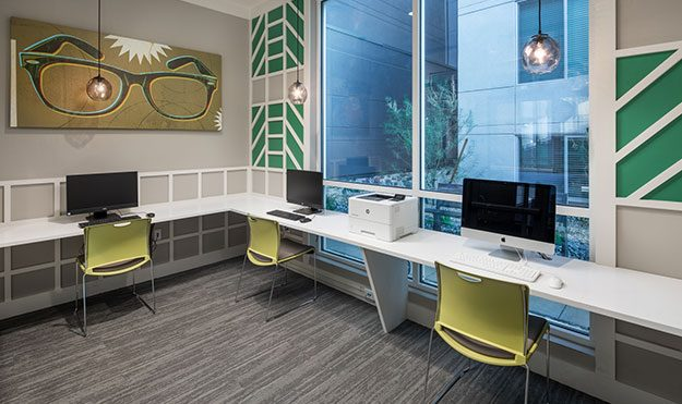 Computer Lounge With Free Printing